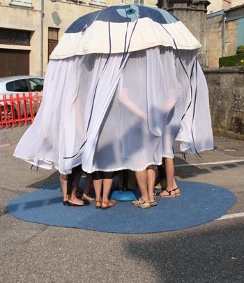 Les contes du parapluies